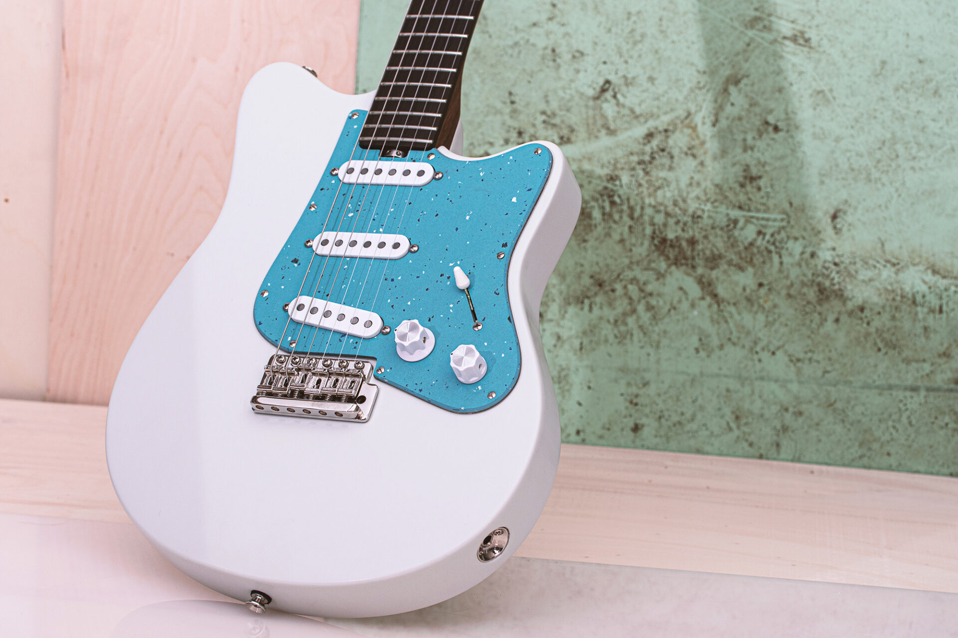 On Guitars - Star Grey White 3S