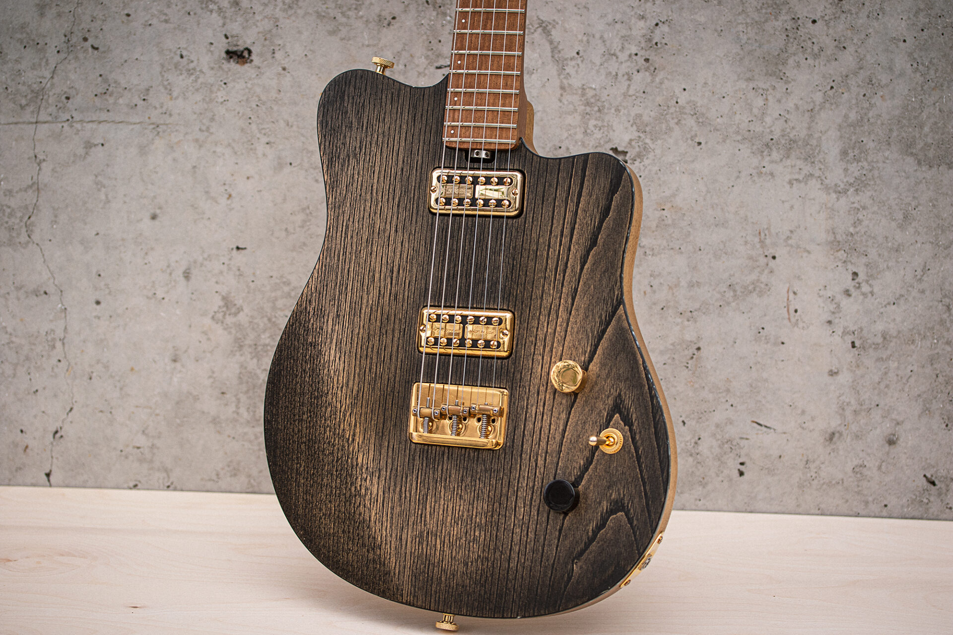 On Guitars - Star Black FF front-01